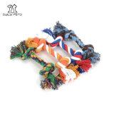 면 밧줄은 물기를 위한 애완견 장난감을 매듭을 짓는다