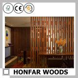 Tela de dobramento de madeira preta do quarto