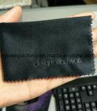 까만 샤무아 또는 스웨드 Microfiber 유리 청소 피복 돋을새김 로고