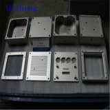 Las piezas que trabajaban a máquina del CNC, moliendo o dando vuelta, modificaron la producción para requisitos particulares