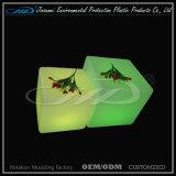 Meubles en plastique tournants de la forme DEL de cube pour d'intérieur ou extérieur