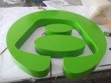 カスタマイズされた会社のロゴフレームのステンレス鋼のペンキの緑の背部Lit LEDの文字の印