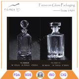 Frasco super dos licores do cristal do sílex com selo de vidro da cortiça
