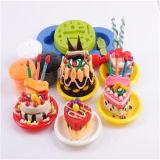 Knetender Farben-Spiel-Teig mit Plastikbehälter