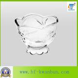 Le mele rimuovono la cristalleria della ciotola di vetro dell'insalata della ciotola di vetro della frutta