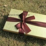 ハイエンドボール紙キャンデーはディバイダが付いているペーパーチョコレートボックスを囲む