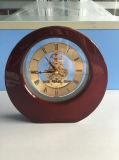 Reloj de vector antiguo de madera sólida