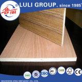 Cara y parte posterior, madera contrachapada de Bintangor del grado de BB/CC