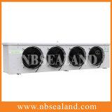 Dispositivo di raffreddamento di aria del basamento del pavimento per cella frigorifera