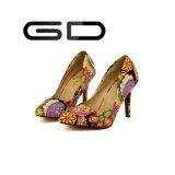 Chaussures moyennes supérieures de talon de tissu d'impression de l'Afrique du Sud