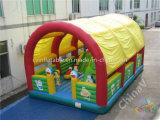 屋根が付いている膨脹可能な運動場か膨脹可能な子供の運動場