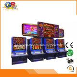 Máquina de jogo a fichas do entalhe do casino de jogo da tela curvada para a venda