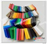 Gli strati acrilici trasparenti e colorati riciclano il materiale
