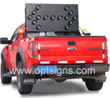 Montage du signe d'avertissement de clignotement de flèche de DEL, panneaux montés sur véhicule de flèche de la sécurité routière DEL