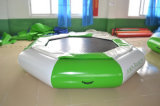 Trampolim de água inflável durável para jogos esportivos