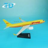 Пластичная модель плоскости авиалайнера 1:200 27cm DHL B767-300 модельная
