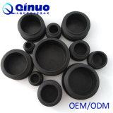 Schwarzer runder und quadratischer Plastikrohrende-Stecker