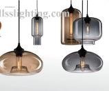Moderne europäische kreative bunte hängende Glaslichter für Dekoration