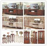 Mobília clássica do quarto com a tabela de madeira da base e do aparelhador