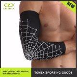 Rilievo di dolore unito di raffreddamento della parentesi graffa di compressione del manicotto del braccio di sport di ginnastica di uomini