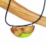 Handmade деревянное ожерелье чокеровщика золота смолаы для оптовой продажи