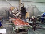 45&degを傾ける刃が付いている縁切り機械; 石のポーランド語のため