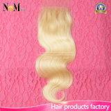 Chiusura bionda brasiliana dei capelli del Virgin dei capelli umani 613 di alta qualità di colore del merletto di 100%