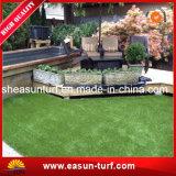 뜰을 만드는 장식적인 인공적인 잔디