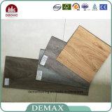 PVC di legno del pavimento costruito migliore abitudine di qualità della fabbrica