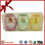 발렌타인 데이 동안 아름다운 무지개 빛깔 리본 계란