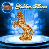 Statua dorata della scultura dell'arenaria di stile del cavallo per le decorazioni del giardino