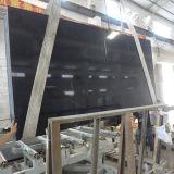 Pierre de quartz conçue par noir pour la partie supérieure du comptoir de cuisine