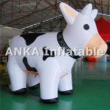 Neue aufblasbare Milch-Kuh-Zeichentrickfilm-Figur für draußen bekanntmachen