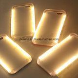 Selfie LED enciende para arriba la caja iPhone7 del teléfono
