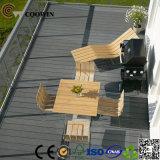 Decking composto plástico oco ao ar livre da madeira contínua de China