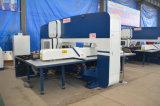Punzonadora de la torreta del CNC/precio automático del sacador de la perforación de orificio Machine/CNC