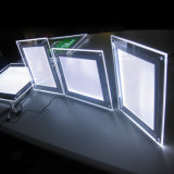 Iluminação do diodo emissor de luz na caixa leve acrílica de cristal cinemático da caixa