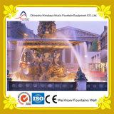 Fontana dello stagno con le grandi sculture di marmo nel centro