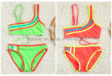 Form-reizender Baby-Bikini