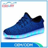 2017 LED al por mayor Flyknit Yeezy se divierte los zapatos del LED para los hombres