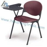 Cadeira plástica da pilha do preto da capacidade Hzpc011 com superfície da tela
