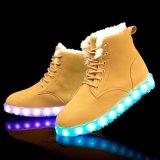 新製品2016の男女兼用の雪の冬のブートの方法LEDは大人の靴をつける