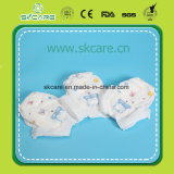 Da faixa elástica da cintura de 360 graus o bebê descartável levanta tecidos