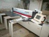 Le panneau automatique de découpage de travail du bois a vu la machine
