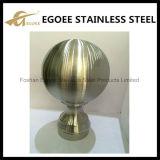金カラーステンレス鋼の上の球