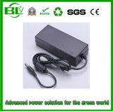 アダプターの自在継手の充電器に動力を与えるリチウムBattery/Liイオン電池のための33.6V2a切換えの電源の中国の最もよい製造者