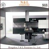 現代家具の木製のベニヤの木の台所家具