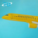 Пластичное Айркрафт 1/100 моделей Erj-195 авиакомпаний 39cm Sarator плоских
