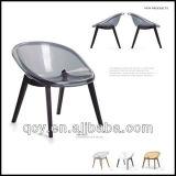 豪華で標準的で明確なアクリルのハングの泡椅子