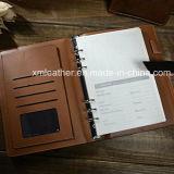 Cuadernos de cuero de encargo del diario de Brown de la insignia que graban